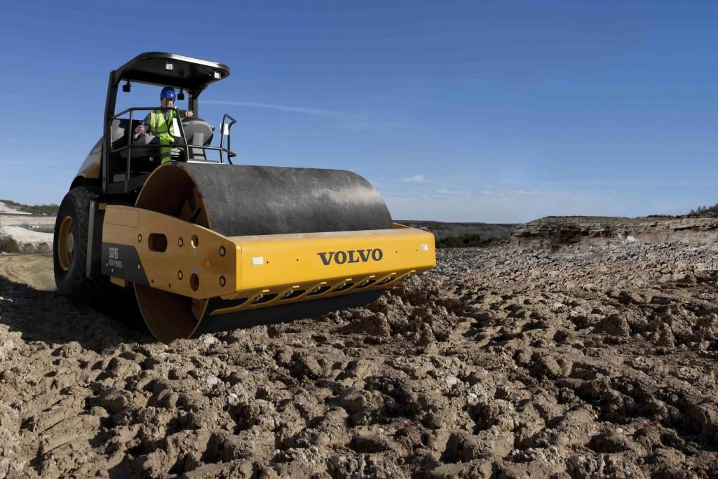 Tier 4i soil compactor