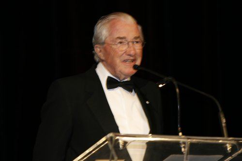 Don Smith accepts the inaugural Corporate Icon Award at London's 24th Annual Business Achievement Awards gala on March 21, 2007.