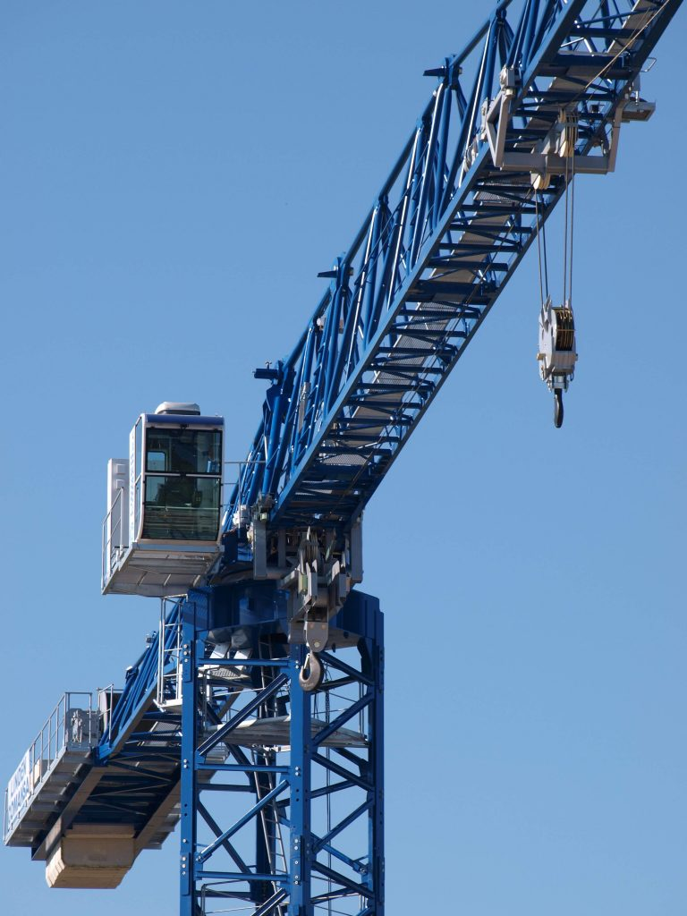 The 21LC660 flat top tower crane