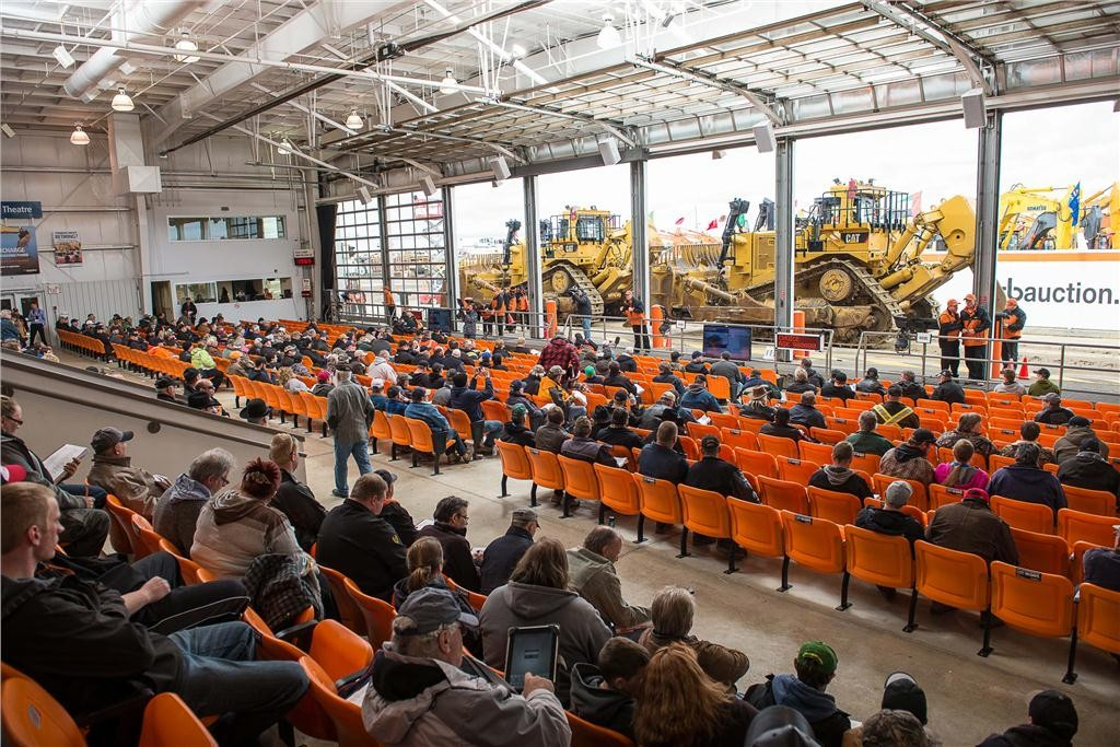 6,100 lots were sold at the Ritchie Bros. auction between April 23 and 25, 2014.