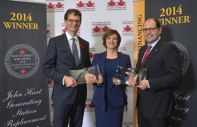 (L to R) Chris O'Riley, executive vice-president, BC Hydro; Johanne Mullen, partner, PricewaterhouseCoopers LLP (Gold Awards Sponsor); and Gerry Grigoropoulos, managing Director, infrastructure concession investments, SNC-Lavalin at the CCPPP National Awards for Innovation and Excellence.