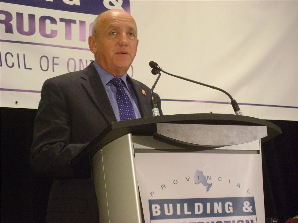 Duncan Hawthorne, President and CEO of Bruce Power, recently signed a labour agreement with the Ontario Building and Construction Trades.