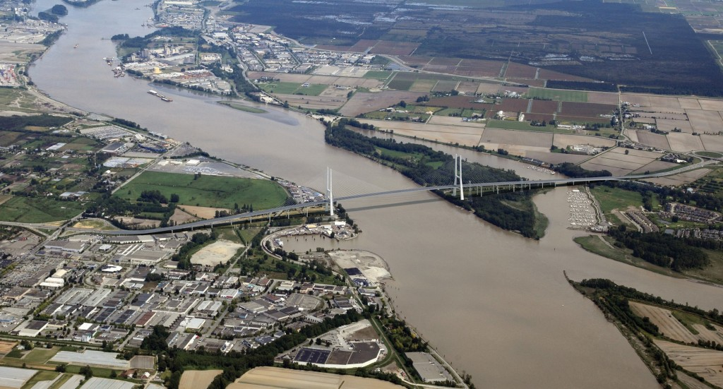 Artist's conception of the proposed $3.5B 10-lane bridge to replace the Massey Tunnel between Richmond and Delta in British Columbia
