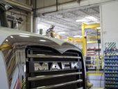 mack_truck_schwing_plant