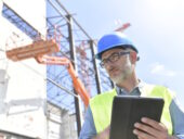 technology_tablet_mewp_construction_worker