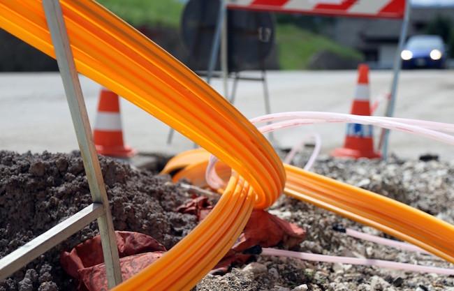 construction_infrastructure_internet_fiber_fibre_optic