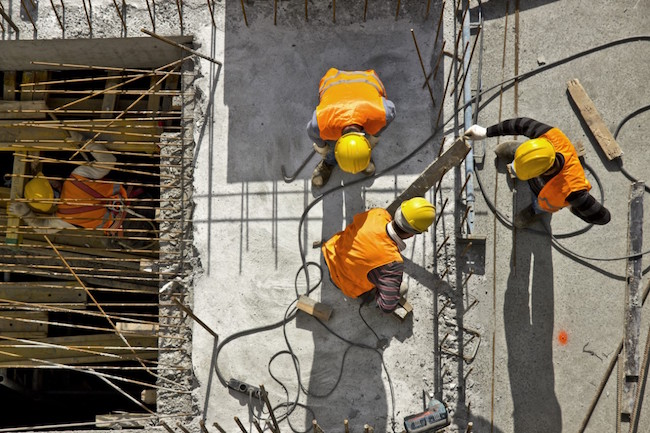 workers_aerial_rebar_construction