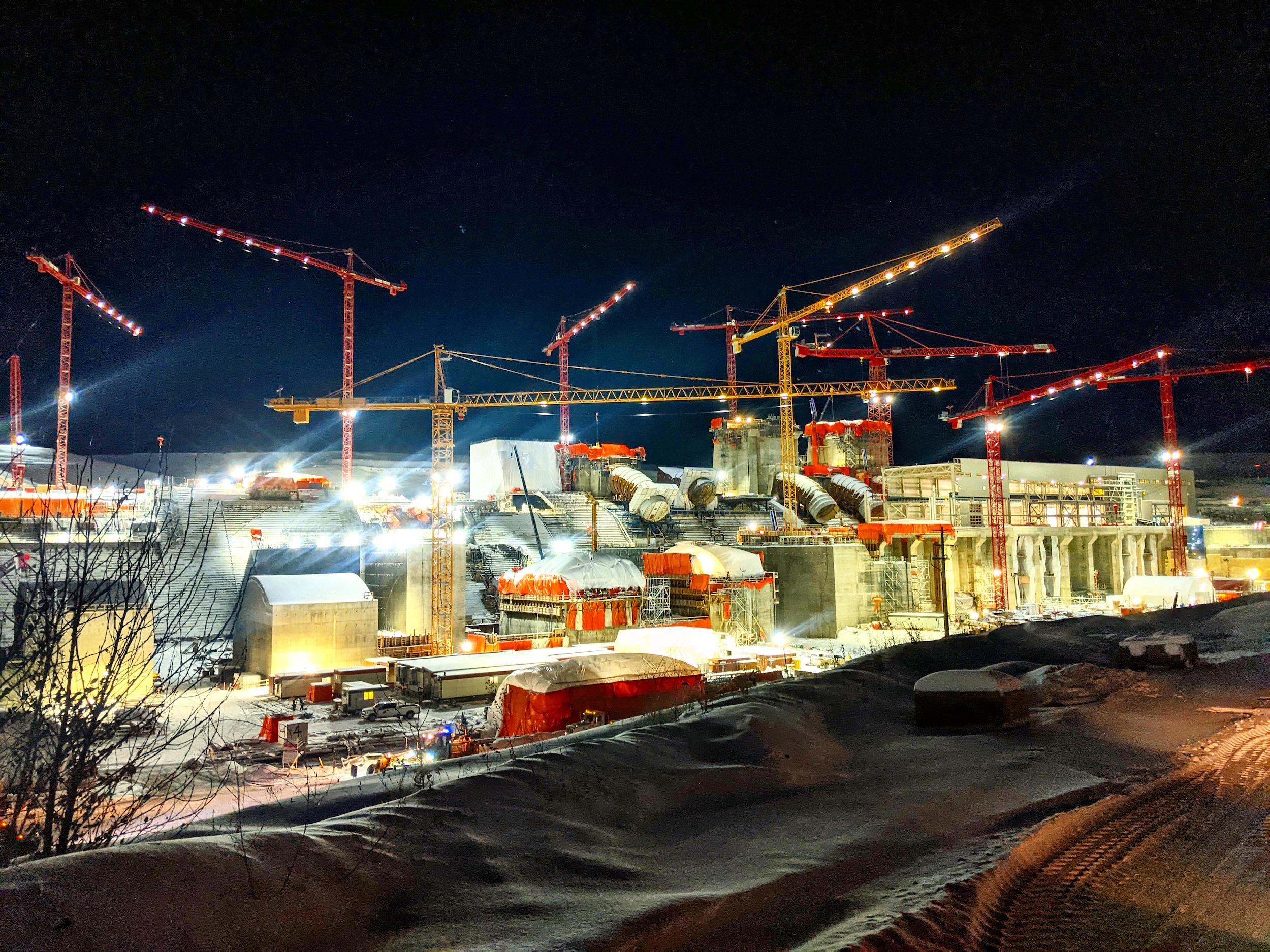 Site C_construction_cranes_2020
