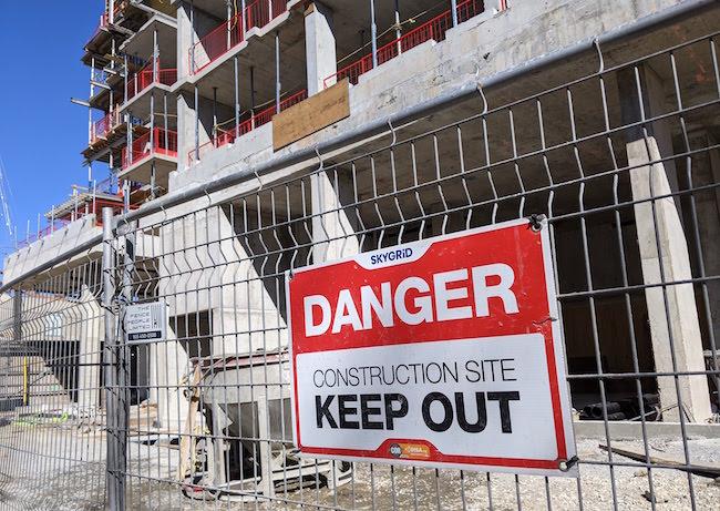 danger_job_site_construction_sign