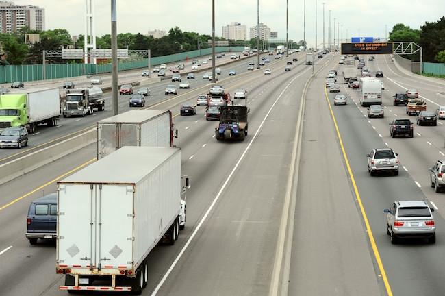 Toronto_highway_traffic