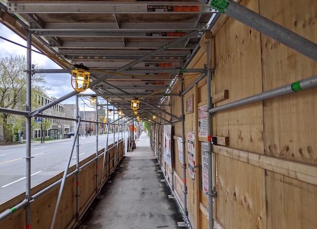 hoarding_construction_lights_